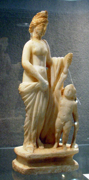 Roman marble sculpture of Venus and Cupid