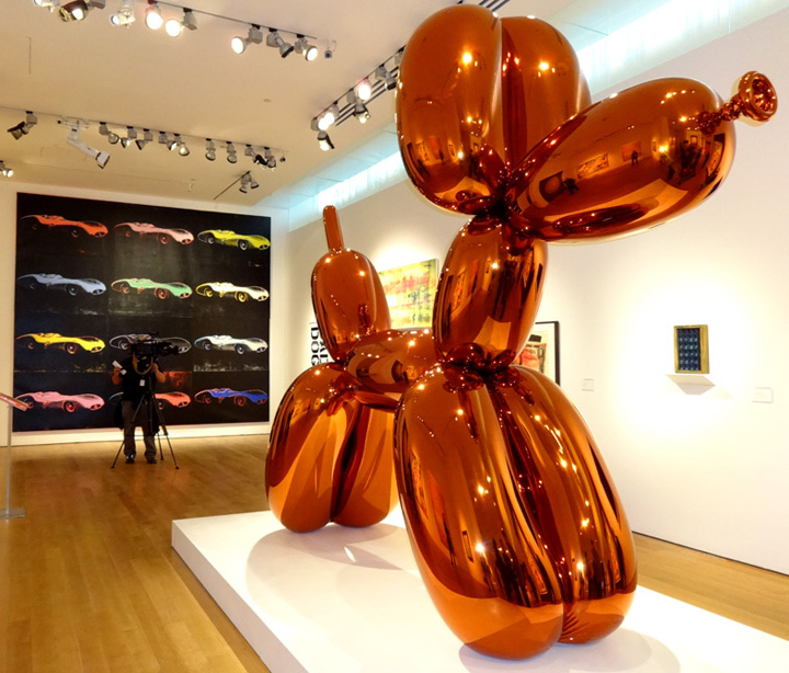 Doggie by Jeff Koons