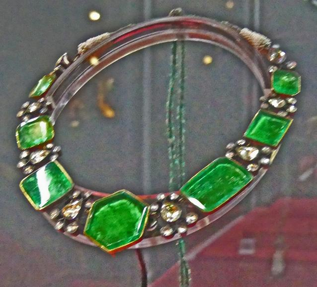 Large emerald necklace
