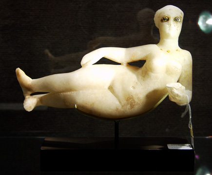 Parthian alabaster female figure