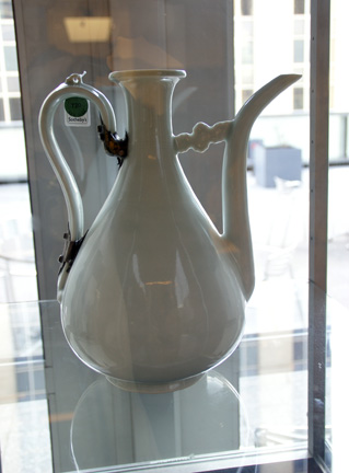"""Amhua"" White-glazed ewer"
