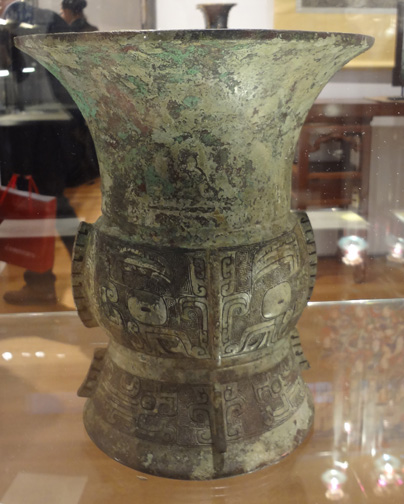 Chinese large bronze vase