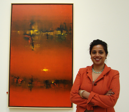 Prianka Mathew of Sotheby's with Gaitonde's untitled work