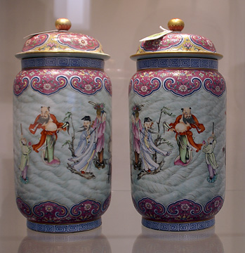 Pair of vases with Eight Daoist Immortals